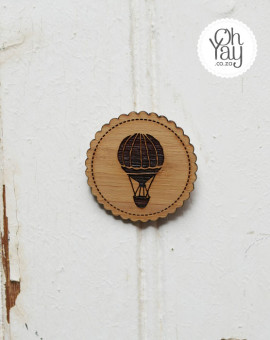 brooch-bridesmaid-favour-002-hot_air_balloon-Oh_Yay-wedding-shop